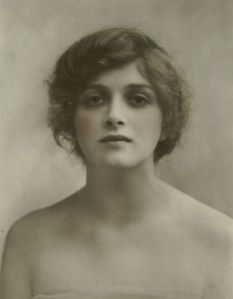 Gladys Cooper in her youth.